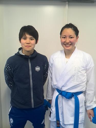 女子組手選手。左から東海志保選手、沖田理奈選手。