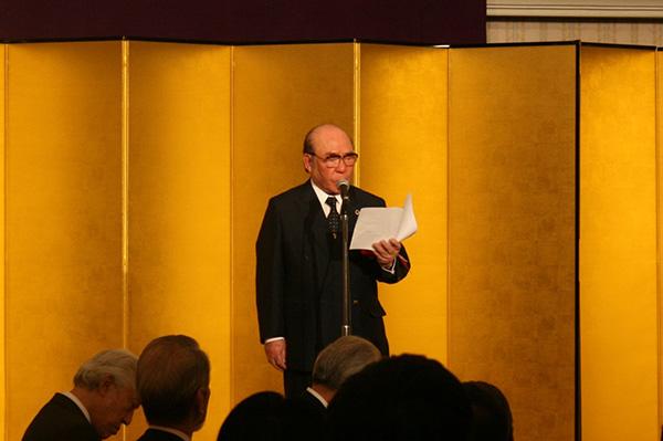 北村光雄スポーツユニオン名誉会長の音頭で高らかに乾杯