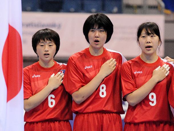 女子ユース世界選手権代表 中村千香選手 右端9番
