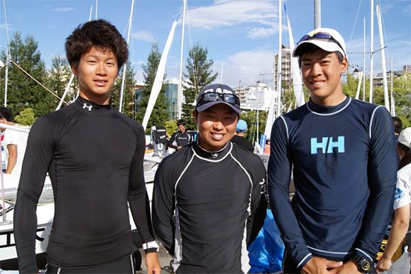 470優勝の渡辺(中央)、三好(左)、上野(右)