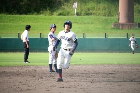 石田(商3)
