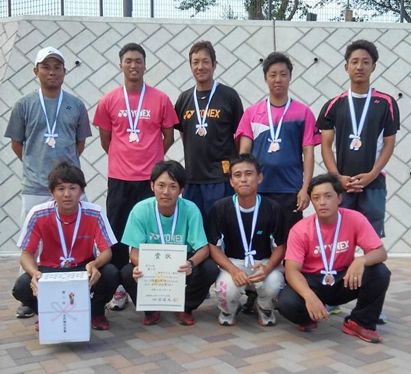 第3位:東邦ガスA(後列左から1人目が大賀OB)