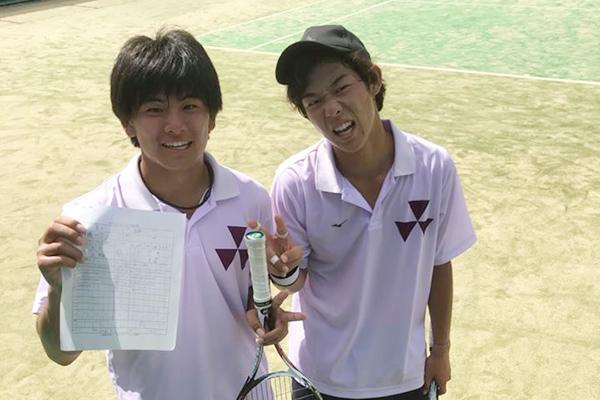 左:三輪選手(商2年) 右:上岡選手(スポ健1年)
