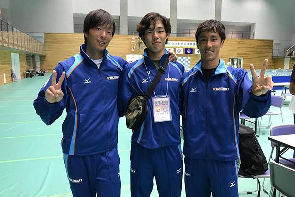 国体優勝「和歌山県」の同志社ファミリー! 向かって左から、増田健人(H25卒・アジア大会銀メダル)選手、真ん中は、上岡俊介(スポ健1年・西日本学生優勝)選手、 右側が、花田周弥(H21卒)